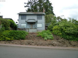 Photo of 57 VIEW CT, Lake Oswego, OR 97034 (MLS # 18630373)