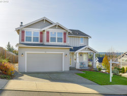 Photo of 960 NE CASCADIA RIDGE DR, Estacada, OR 97023 (MLS # 19002490)