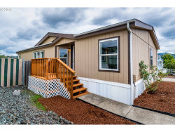 Photo of 139 WENAHA LN, SPACE 105, Roseburg, OR 97471 (MLS # 19046881)