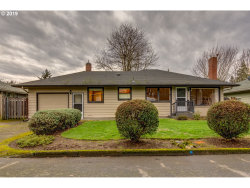 Photo of 4408 SE HOWE LN, Milwaukie, OR 97222 (MLS # 19048627)