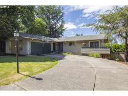 Photo of 2807 SW PLUM CT, Portland, OR 97219 (MLS # 19054934)
