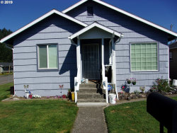 Photo of 1289 HAWTHORNE AVE, Reedsport, OR 97467 (MLS # 19063666)