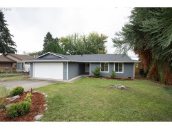 Photo of 5124 SE APPENINE WAY, Milwaukie, OR 97222 (MLS # 19067424)