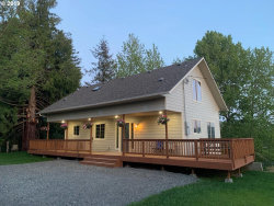 Photo of 831 18TH, Myrtle Point, OR 97458 (MLS # 19068654)