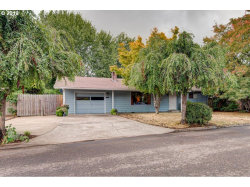 Photo of 965 N HAWTHORNE CT, Canby, OR 97013 (MLS # 19101162)