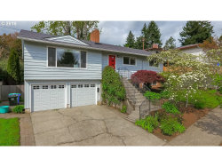 Photo of 7128 SW 12TH DR, Portland, OR 97219 (MLS # 19107634)