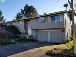 Photo of 12140 SW MERESTONE CT, Tigard, OR 97223 (MLS # 19109458)