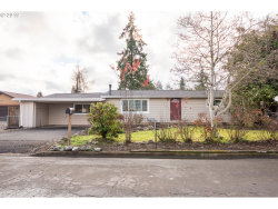 Photo of 1160 GEER AVE, Cottage Grove, OR 97424 (MLS # 19130177)