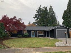 Photo of 935 NE 193RD AVE, Portland, OR 97230 (MLS # 19134410)