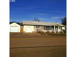 Photo of 2974 NE DOUGLAS AVE, Roseburg, OR 97470 (MLS # 19148707)