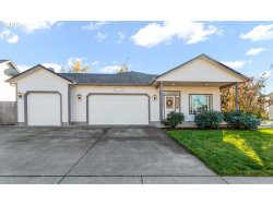 Photo of 827 YOSS PL, Cottage Grove, OR 97424 (MLS # 19152913)