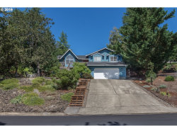 Photo of 2030 NW EXCELLO DR, Roseburg, OR 97471 (MLS # 19155255)