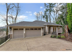 Photo of 17596 GREEN BLUFF DR, Lake Oswego, OR 97034 (MLS # 19168501)