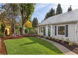 Photo of 1806 SW TAYLORS FERRY RD, Portland, OR 97219 (MLS # 19169469)