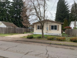 Photo of 140 35TH ST, Springfield, OR 97478 (MLS # 19182710)