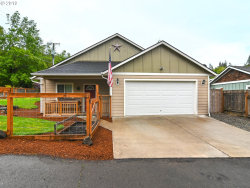 Photo of 246 S 70TH ST, Springfield, OR 97478 (MLS # 19197590)