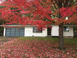 Photo of 9212 SW 53RD AVE, Portland, OR 97219 (MLS # 19208692)