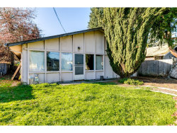 Photo of 312 S 52ND PL, Springfield, OR 97478 (MLS # 19256765)