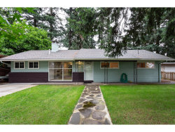 Photo of 708 SE 137TH AVE, Portland, OR 97233 (MLS # 19275137)