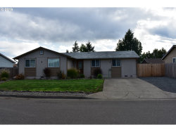 Photo of 301 COLUMBIA LOOP RD, Roseburg, OR 97471 (MLS # 19279533)