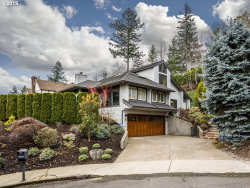 Photo of 2925 ORCHARD HILL PL, Lake Oswego, OR 97035 (MLS # 19295582)