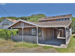 Photo of 730 BROADWAY AVE, Winchester Bay, OR 97467 (MLS # 19304349)
