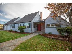 Photo of 1346 BAYVIEW AVE, North Bend, OR 97459 (MLS # 19310081)