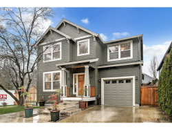 Photo of 6037 SE 40TH AVE, Portland, OR 97202 (MLS # 19325362)