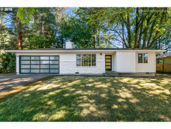 Photo of 9212 SW 53RD AVE, Portland, OR 97219 (MLS # 19325841)
