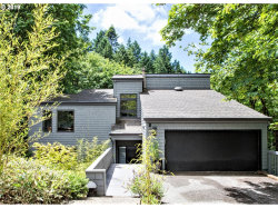 Photo of 3131 NW GREENBRIAR TER, Portland, OR 97210 (MLS # 19346305)