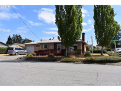 Photo of 465 W SHENANDOAH ST, Roseburg, OR 97471 (MLS # 19360808)