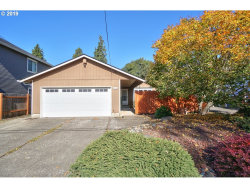 Photo of 3825 SE Center ST, Portland, OR 97202 (MLS # 19368888)