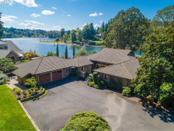 Photo of 1300 SE LAVA DR, Milwaukie, OR 97222 (MLS # 19370247)