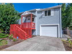 Photo of 6845 SE OUR CT, Milwaukie, OR 97222 (MLS # 19379909)