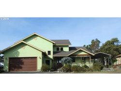 Photo of 94721 SCOUTS VIEW RD, Gold Beach, OR 97444 (MLS # 19384068)