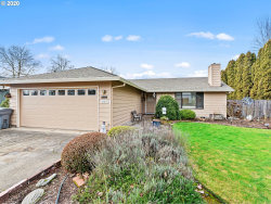 Photo of 1015 S FIR CT, Canby, OR 97013 (MLS # 19385562)