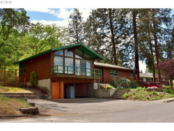 Photo of 1960 W SCENIC DR, The Dalles, OR 97058 (MLS # 19392694)