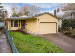 Photo of 2607 SE 35TH AVE, Portland, OR 97202 (MLS # 19435230)