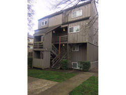 Photo of 4 TOUCHSTONE , Unit 130, Lake Oswego, OR 97035 (MLS # 19464964)