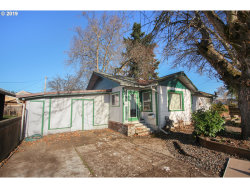 Photo of 1044 PENNOYER AVE, Cottage Grove, OR 97424 (MLS # 19468140)