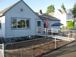 Photo of 596 E 11TH ST, Coquille, OR 97423 (MLS # 19477416)