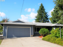 Photo of 6753 SE 134th AVE, Portland, OR 97236 (MLS # 19497647)