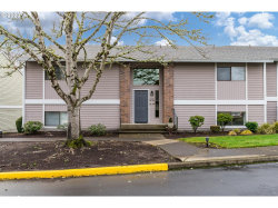 Photo of 10885 SW MEADOWBROOK DR , Unit 37, Tigard, OR 97224 (MLS # 19511963)