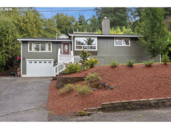 Photo of 13742 SE FAIR OAKS DR, Milwaukie, OR 97222 (MLS # 19517923)