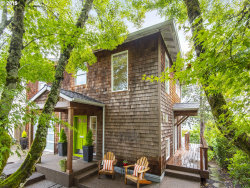 Photo of 7626 SW KELLY AVE, Portland, OR 97219 (MLS # 19524213)