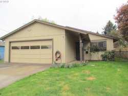 Photo of 5820 SE LIEBE ST, Portland, OR 97206 (MLS # 19538348)