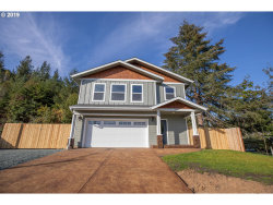 Photo of 628 W 17th PL, Coquille, OR 97423 (MLS # 19549126)