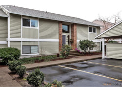 Photo of 10855 SW MEADOWBROOK DR , Unit 50, Tigard, OR 97224 (MLS # 19550308)