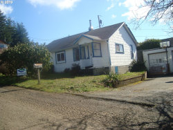 Photo of 827 E 11TH ST, Coquille, OR 97423 (MLS # 19577794)