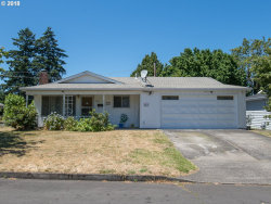 Photo of 2037 SE 90TH PL, Portland, OR 97216 (MLS # 19597019)